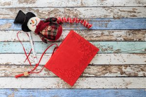 Use a journal to remember the holiday season.