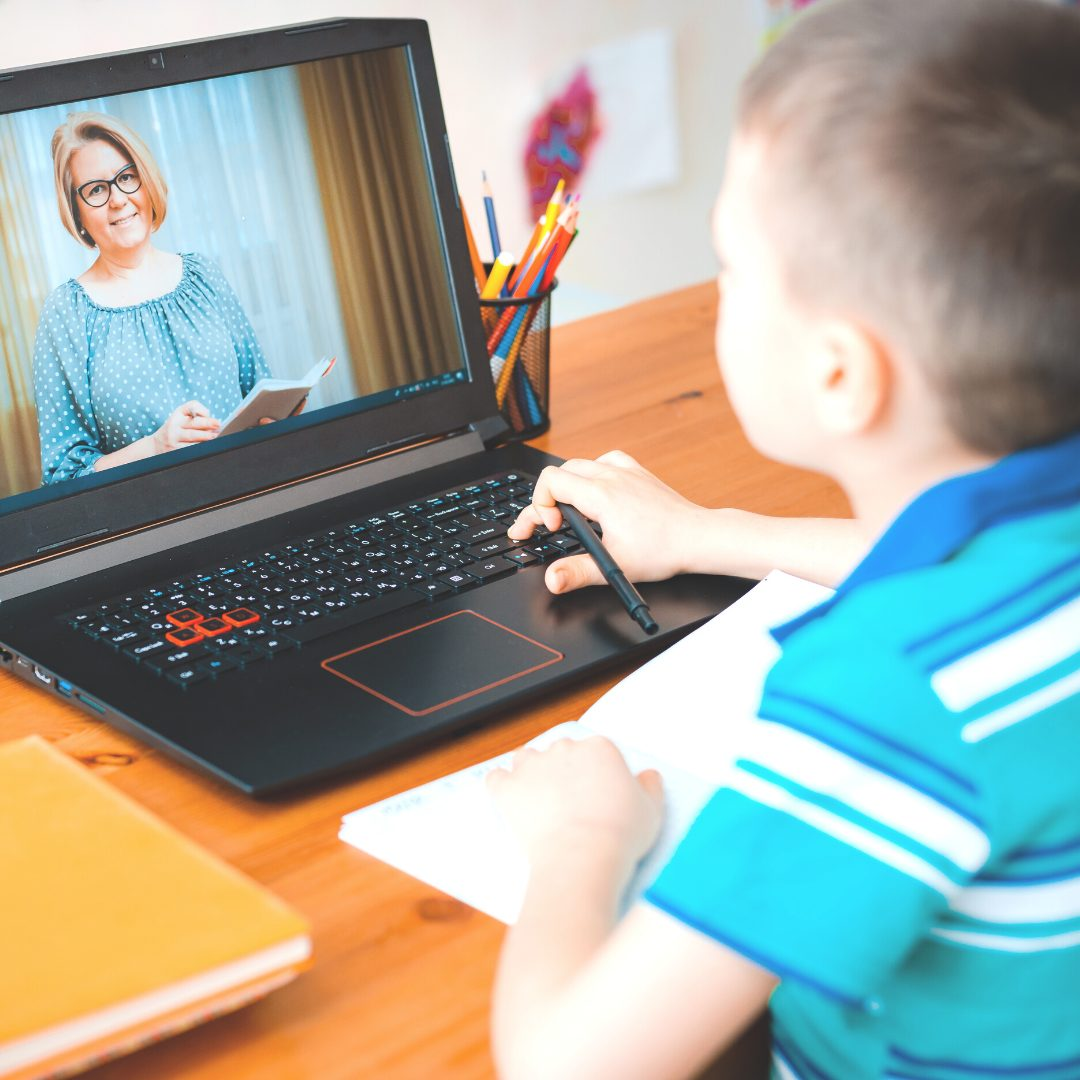 Pros and Cons of Online Tutoring for Homeschool